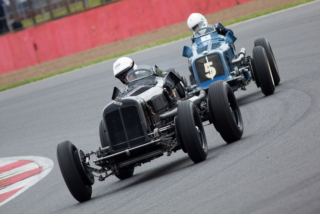 Paddins Dowling and Nicholas Topliss racing in their ERAs arround Luffield.